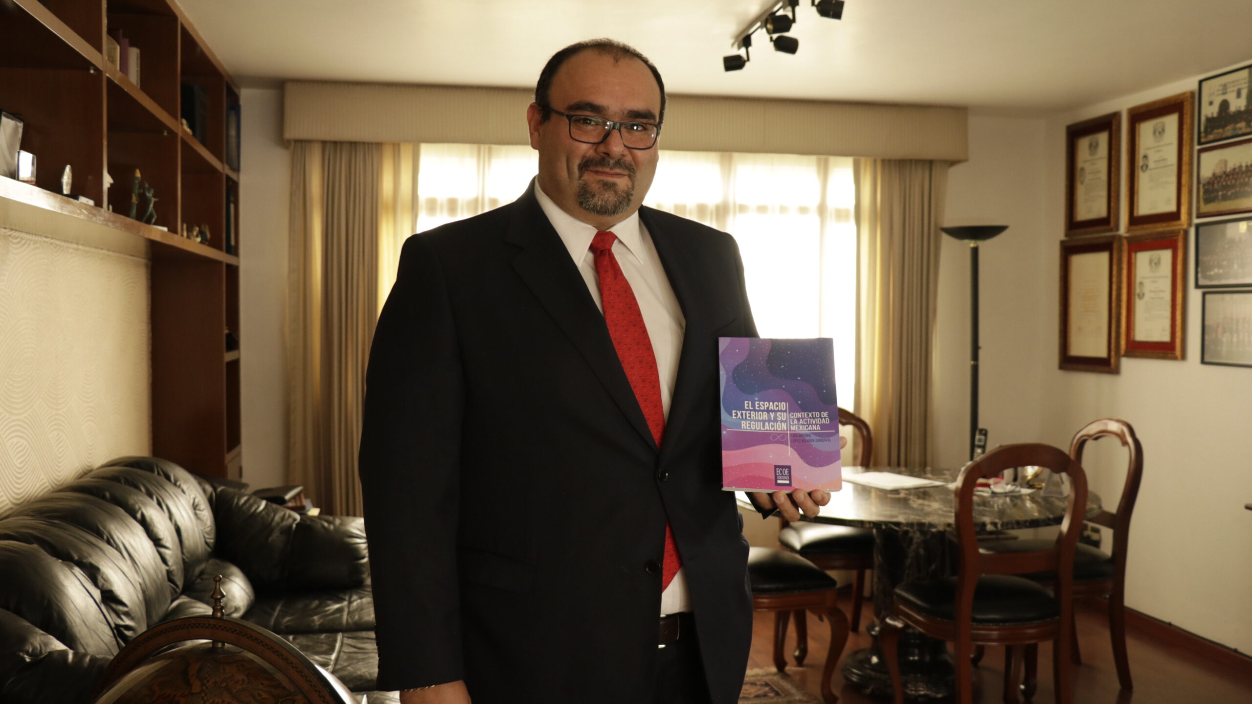 portal foro jurídico derecho espacial Luis Antonio López Velarde