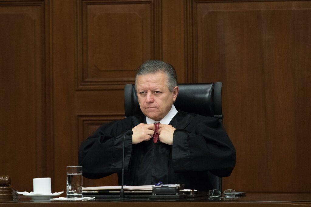 foro jurídico Arturo Zaldívar