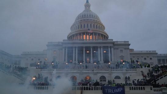 foro jurídico La democracia está en riesgo