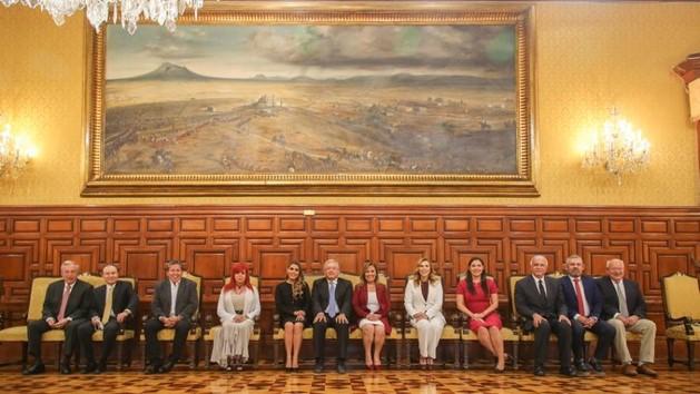 foro jurídico AMLO se reúne con gobernadores electos de morena