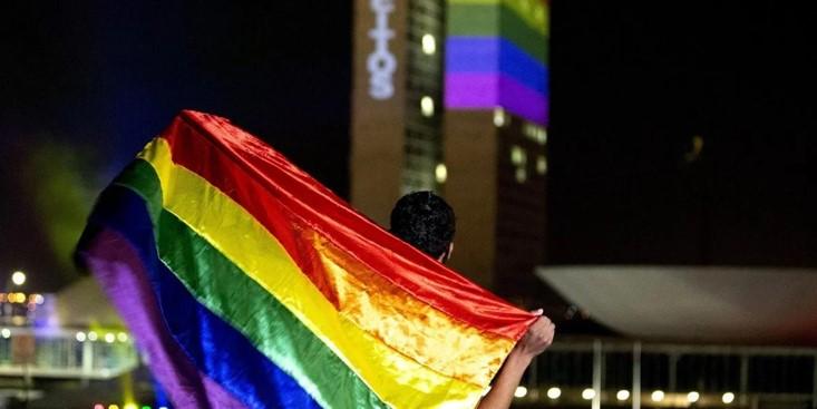 foro jurídico CNDH condena violencia ejercida contra una persona por su orientación sexual y de salud