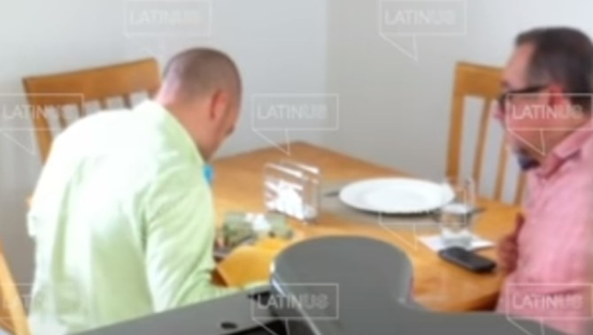 foro jurídico Difunden video de hermano menor de AMLO recibiendo dinero