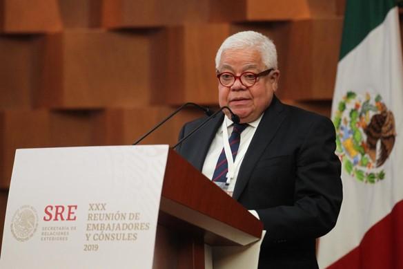 foro jurídico Renuncia Enrique Márquez