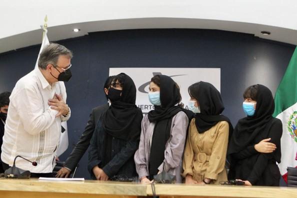 foro jurídico parte del equipo AfghanDreamersTeam llega a México