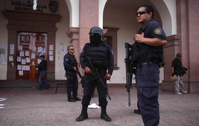 foro jurídico Detienen a policías federales implicados en masacre en 2015 en Tanhuato