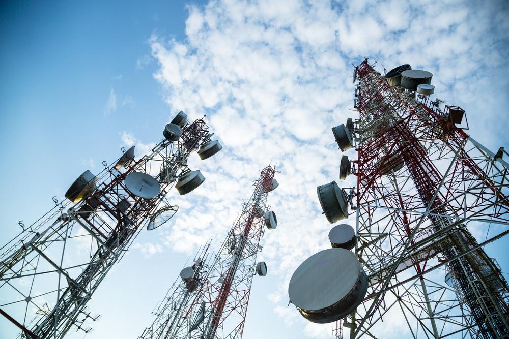 Senado propone eliminar impuestos a servicios de telecomunicaciones