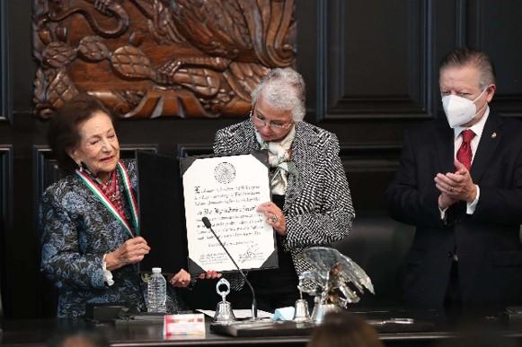 foro jurídico Ifigenia Martínez medalla belisario domínguez
